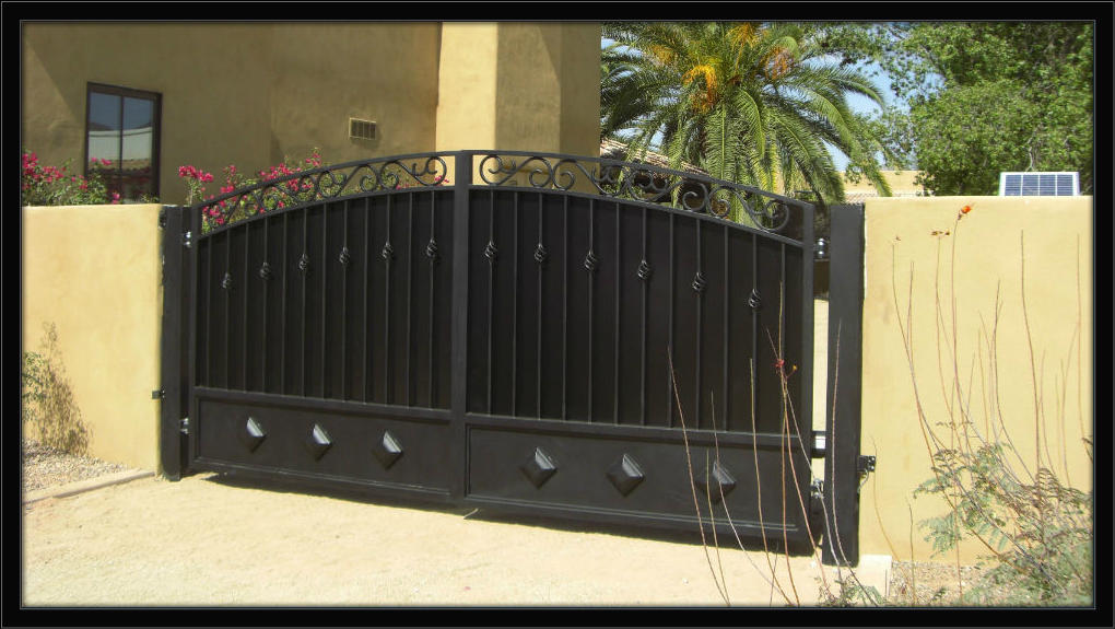 AGC RV gate cropped with border1 Allied Gate  Security Doors   Iron Entry Gates   Enclosures   Phoenix